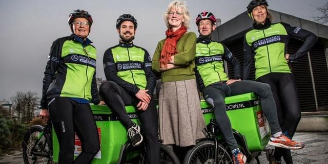 deA en fietskoeriers weer drie jaar partners